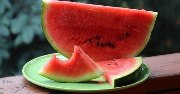 Đây là 5 loại thực phẩm có tác dụng không thua gì kem chống nắng: Nếu biết tận dụng, chị em sẽ được bảo vệ khỏi sạm da, giảm nếp nhăn hiệu quả