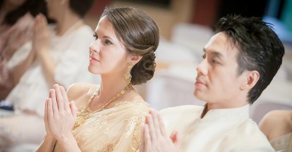 Về đám cưới anh họ người yêu, nhìn hành động của cô dâu chú rể trên sân khấu, tôi choáng váng và lo sợ khi nghĩ về tương lại của mình
