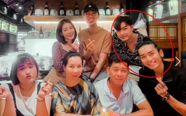 Bạn trai đồng giới công khai xuất hiện tại tiệc sinh nhật bố BB Trần, khoảnh khắc chung khung hình lộ rõ quan hệ thật?