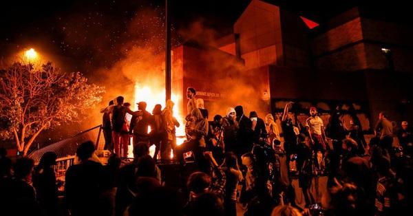 Các cuộc biểu tình quy mô lớn diễn ra trên khắp nước Mỹ