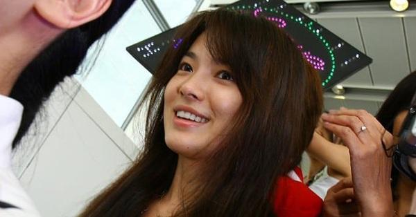Vẫn biết Song Hye Kyo sở hữu mặt mộc đẹp tự nhiên, nhưng không nghĩ lại thách thức