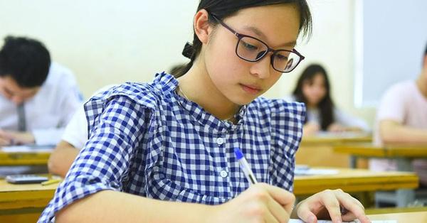 Đề thi chính thức 3 môn Toán, Ngữ Văn, tiếng Anh vào trường THPT chuyên Khoa học Xã hội và Nhân văn trong năm đầu tiên tuyển sinh lớp 10