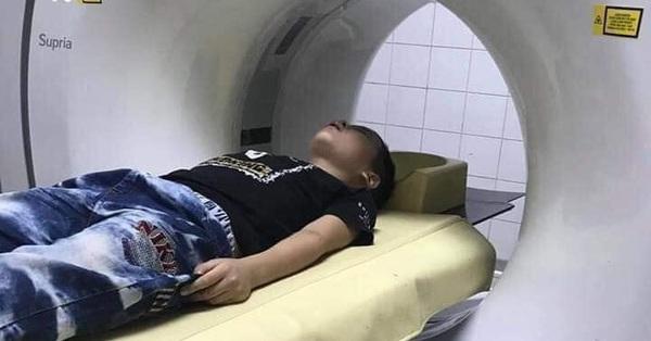 Hòa Bình: Tạm giữ người đàn ông đánh chảy máu mồm bé trai lớp 1 để giải quyết ''mối hận'' của con