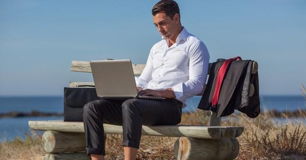 Vì sao các công ty startup thường cung cấp bia, bóng bàn, võng... cho nhân viên ngay tại văn phòng làm việc?
