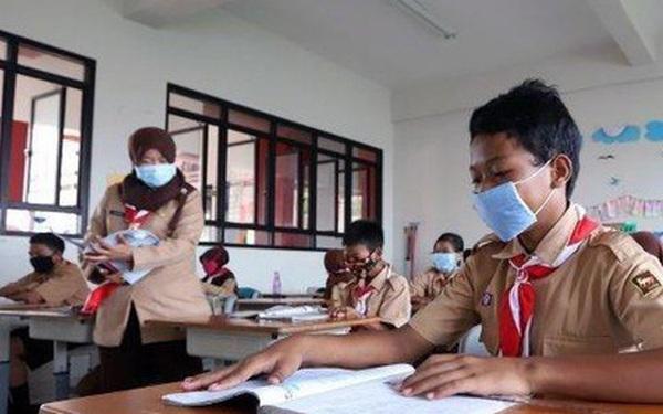 """Indonesia mở cửa các trường học trong """"vùng xanh an toàn"""" với Covid-19"""