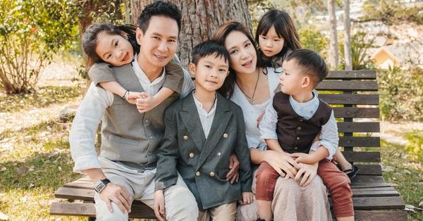 Có 4 mặt con, vợ chồng Lý Hải - Minh Hà vẫn khoe ảnh ngọt ngào như ngày mới yêu