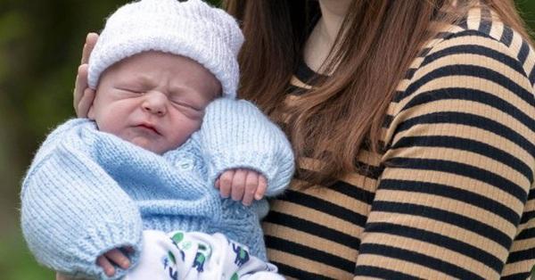 Chỉ vỏn vẹn 4 tiếng sau khi biết mình có thai, cô gái 21 tuổi hạ sinh 1 bé trai