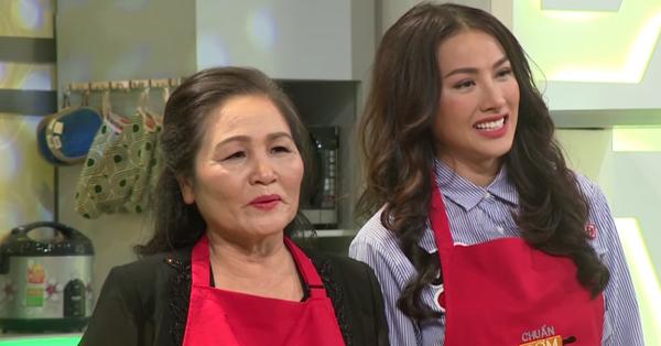 Yaya Trương Nhi bật khóc nức nở, ám ảnh mẹ mất vì bệnh ung thư, mỗi tháng chạy chữa hơn 100 triệu