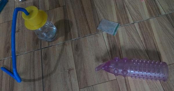 Nhóm nam nữ phê ma túy trong phòng trọ, có cả nhiều đồ chơi tình dục