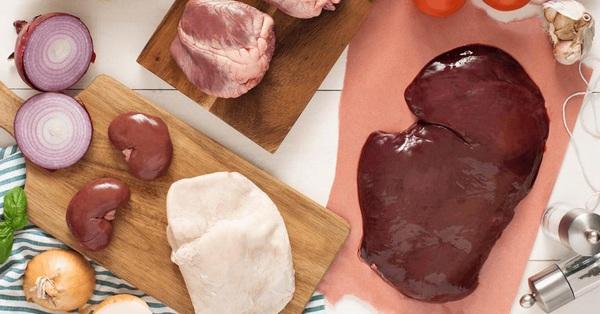 Chanh, muối, giấm không thể khử hết mùi hôi của lòng heo, hãy thử ngay nguyên liệu này trong tủ bếp của bạn!