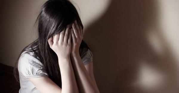 Dụ bé gái 12 tuổi đến nhà cho đồ chơi để hiếp dâm