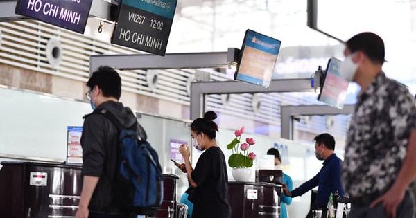 Vietnam Airlines khuyến cáo khách làm thủ tục sớm trước 2 tiếng tại Sân bay Nội Bài và Tân Sơn Nhất