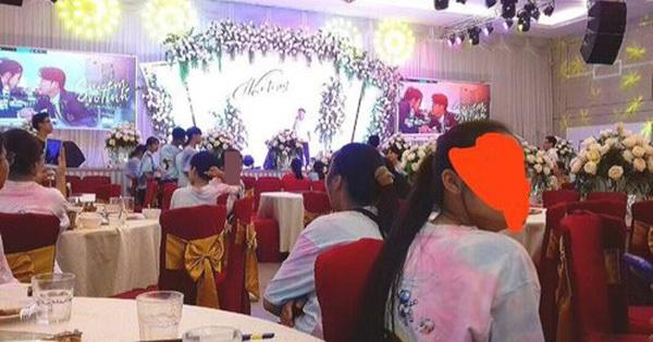 Lễ tổng kết năm học hoành tráng như đám cưới, đến phần thực đơn cũng gây chú ý không kém