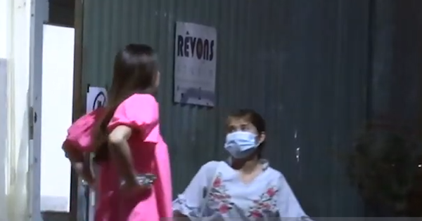 Clip độc quyền: Bắt gặp Hà Hồ lộ bụng to rõ mồn một, dáng đi chuẩn mẹ bầu ở tháng 5 thai kỳ tại Quận 4