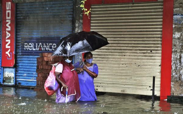Nhiều khu vực chìm trong biển nước, Ấn Độ ra cảnh báo cao nhất về tình trạng mưa lớn