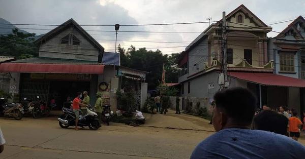Người đàn ông bị hàng xóm ném gạch trúng đầu, ngã ra đường tử vong