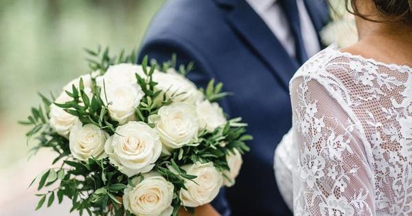 5 cách giúp bạn tiết kiệm chi phí cho đám cưới hiệu quả nhất mà vẫn có một lễ cưới hoàn hảo