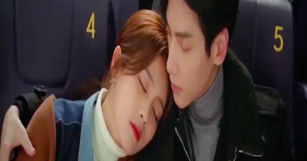Nửa là đường mật nửa là đau thương: La Vân Hi - Bạch Lộc ôm ấp ở rạp chiếu phim, đáng chú ý là đôi môi của nữ chính