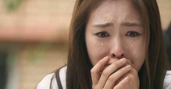 Ngày anh rể đưa trả chị gái về, cả nhà tôi bàng hoàng không cầm được nước mắt