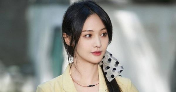 Nữ diễn viên bị ghét nhất châu Á: Dân tình soi ra 1 hành động thiếu giáo dục, bố mẹ nhận cơn mưa chỉ trích vì không biết dạy con
