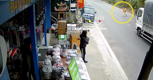 Clip: Người đàn ông may mắn thoát chết khi lao ra chặn đầu xe tải, nhưng hành động sau đó khiến ai cũng phẫn nộ