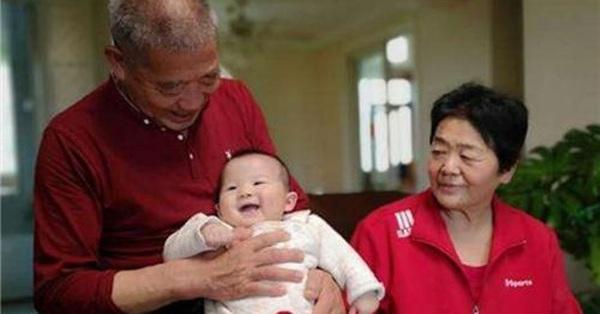 Người phụ nữ 67 tuổi nhất quyết sinh con bất chấp sự phản đối của các con, chuyện gì đã xảy ra?