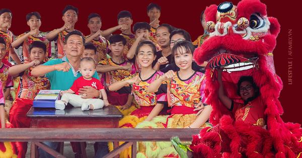"""Đội Lân nữ duy nhất ở Việt Nam được kỷ lục châu Á vinh danh và chuyện sáng đi tập chiều vỡ ối đi đẻ của """"bà trùm"""" múa mai hoa thung từ độ cao 7 mét"""