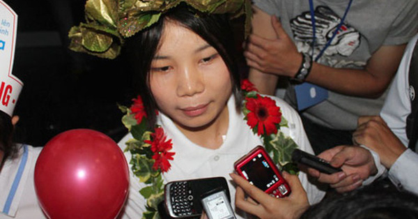 Vô địch nhờ câu hỏi gây tranh cãi, nữ Quán quân Olympia năm 2011 giờ có thành tích xuất sắc nơi xứ người, ngoại hình mới bất ngờ