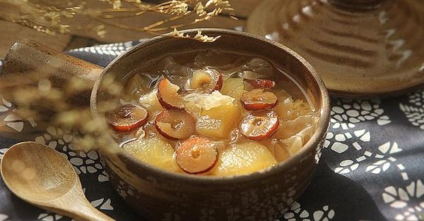 Nấu món chè này vô cùng dễ mà ăn thường xuyên thì da sáng căng mịn đến ngỡ ngàng