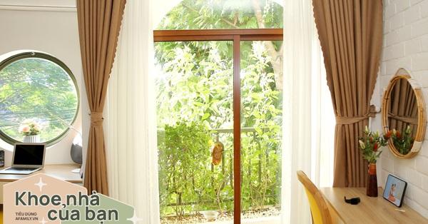Đà Nẵng: Sau 10 năm ở trọ chồng xây tặng vợ con ngôi nhà ấm cúng với sắc trắng vàng cùng cây xanh và ánh sáng ngập tràn