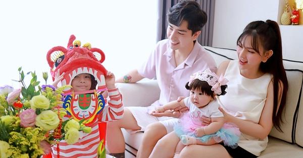 Thu Thủy hạnh phúc đón Tết cổ truyền cùng gia đình nhỏ