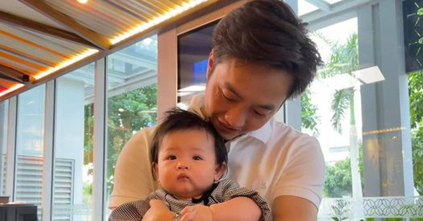 Đúng Valentine, vợ chồng Cường Đô La - Đàm Thu Trang chính thức công khai ảnh cận mặt của công chúa nhỏ