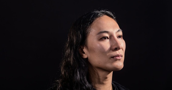 Nhà thiết kế gốc Á nổi tiếng thế giới Alexander Wang lại khốn đốn với cáo buộc tấn công tình dục mới với cách thức quen thuộc