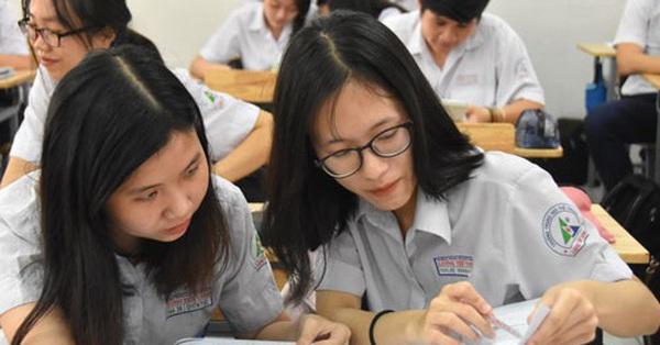 Đại diện Bộ GD-ĐT: Có thể lùi thời gian kết thúc năm học, cho thi tốt nghiệp THPT nhiều đợt
