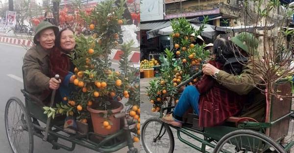Dân mạng lan truyền bức ảnh cặp vợ chồng 50 tuổi đèo nhau trên chiếc xích lô kèm theo những lời nhắn nhủ ấm lòng