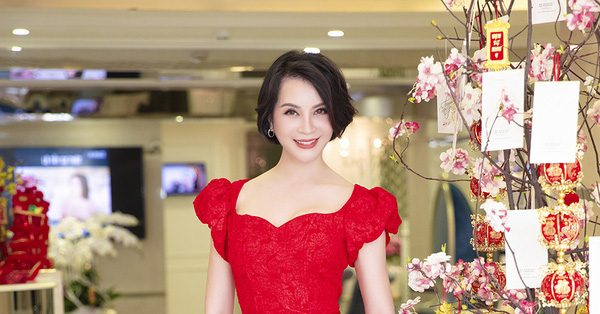 Không chỉ Ngọc Trinh, MC Thanh Mai ở tuổi 48 cũng sở hữu vòng eo 59 xuất sắc thế này