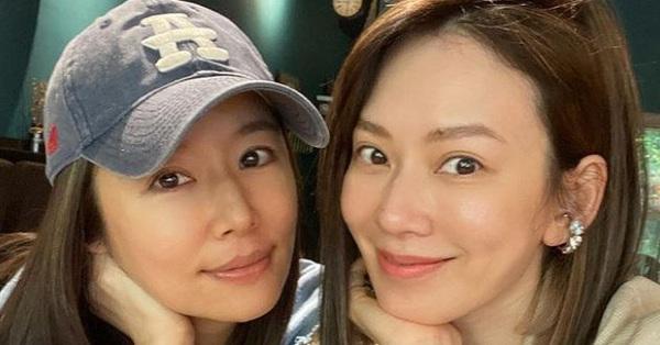 Lâm Tâm Như lộ nhan sắc thật khi để mặt mộc chụp ảnh cùng bạn thân, làn da tuổi 45 gây chú ý