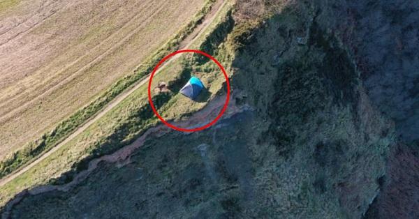 Nhìn thấy căn lều cắm trại của một gia đình, người dân lập tức báo cảnh sát, nhìn ảnh thôi cũng đủ thấy rợn người vì quá kề cận