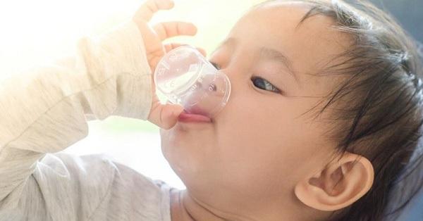 Có nên sử dụng thuốc long đờm khi trẻ bị ho hay không? Đây là câu trả lời của chuyên gia