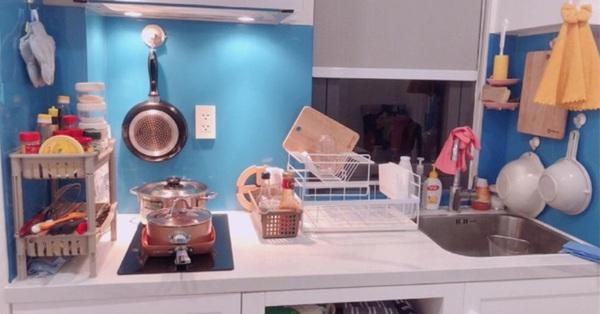 Mẹo cực hay duy trì sự ngăn nắp tối đa cho không gian bếp bé xíu của cô gái trẻ Sài Gòn