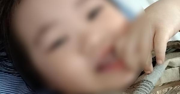 Bé gái 3 tuổi rơi từ tầng 12 chung cư đã có thể cười đùa, ca hát: