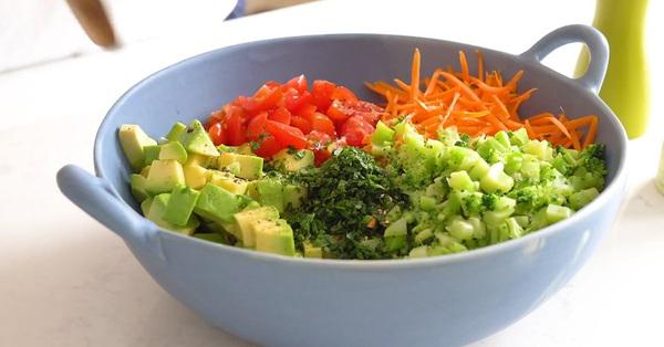 Salad 7 sắc cầu vồng giúp chị em vừa no bụng, vừa sướng mắt: Không muốn tăng cân thì bữa tối cứ