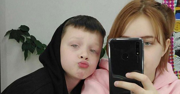 Nữ sinh 13 tuổi từng tuyên bố mang thai với bạn trai 10 tuổi: Con gái xinh như thiên thần, có thu nhập khủng nhưng đến trường vẫn bị kỳ thị vì lý do bất ngờ