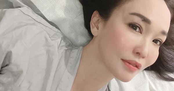 Phạm Văn Phương luôn được khen ngợi nhan sắc tuổi 50 nhưng nhìn làn da khi chụp gần mới bất ngờ