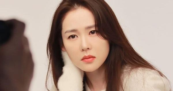Đối đầu với Song Hye Kyo, Son Ye Jin đóng phim