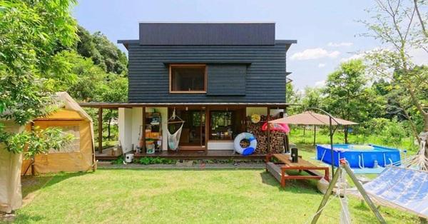 Bỏ phố về vùng nông thôn, gia đình 5 người biến cuộc sống trong ngôi nhà gỗ thành