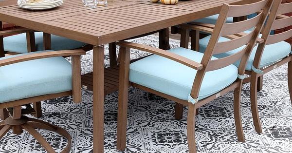 Bí quyết chọn vật liệu lát sàn cho sân vườn đẹp nổi bật đón mùa hè đang đến