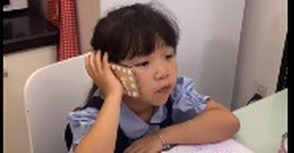 Nhờ con hẹn gặp cô giáo để nói chuyện, ai ngờ con gái truyền đạt lại bằng 1 câu khiến bố ngượng chín mặt