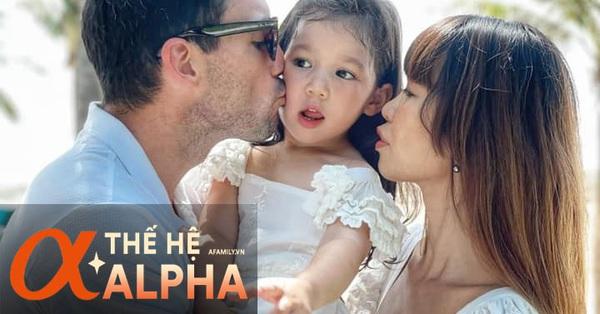 Alpha kid nhà siêu mẫu Hà Anh đi cắt tóc thôi cũng khiến dân tình ngẩn ngơ vì quá thần thái, bài học được mẹ dạy lại càng đáng học hỏi