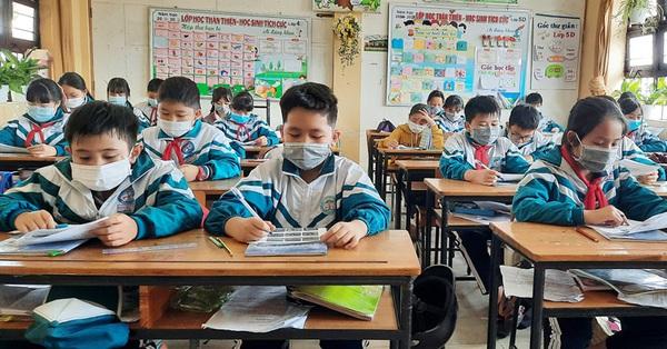 Một tỉnh thông báo cho học sinh trở lại thi học kỳ 2 sau 10 ngày tạm dừng đến trường